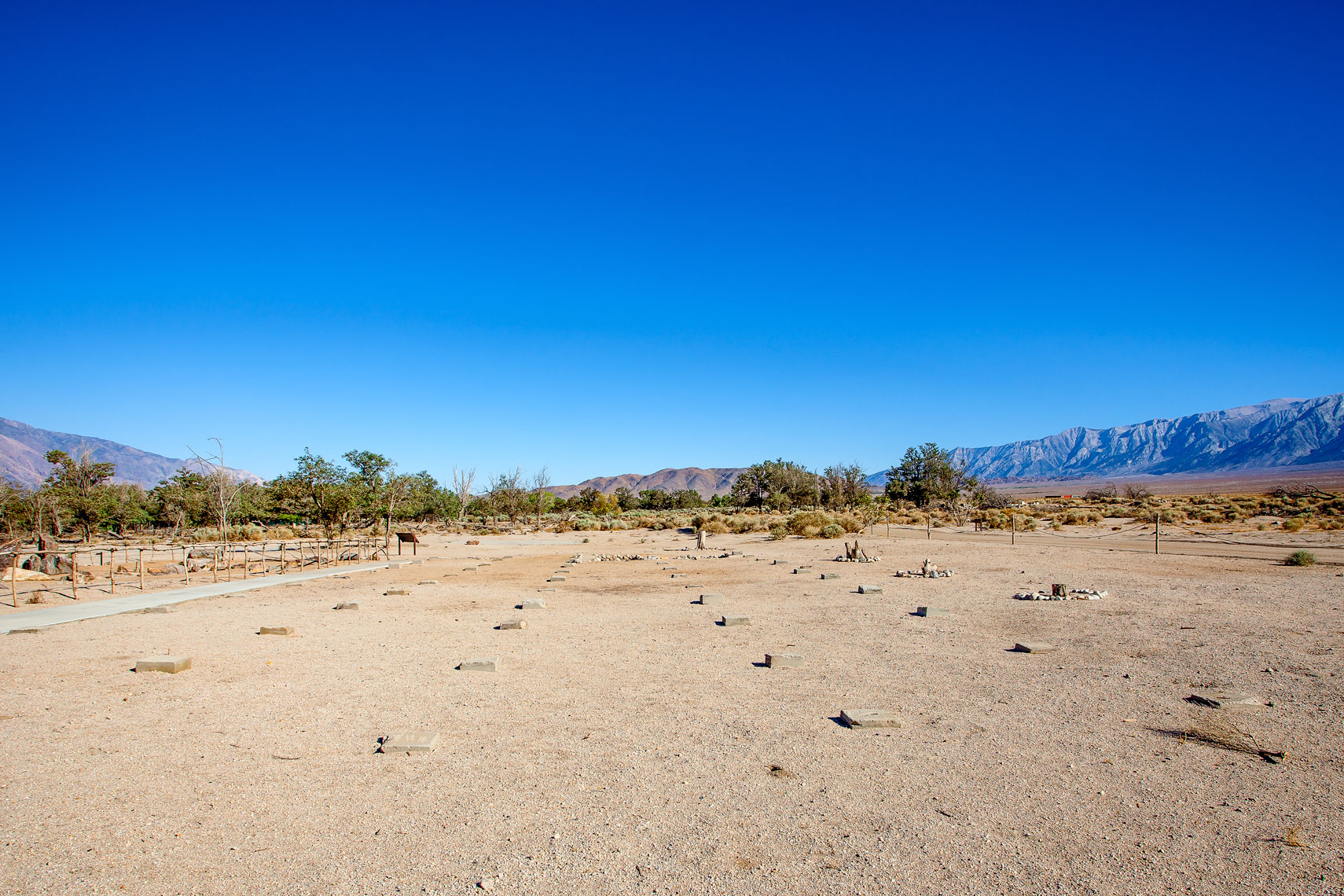 (c)-2013_williamshort_manzanar_043-web